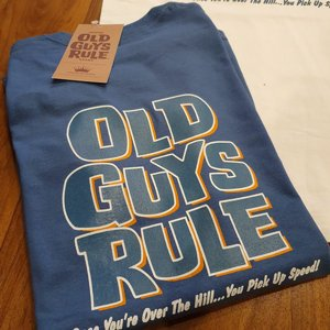OLD GUYS RULE T-SHIRT - OVER THE HILL BLÅ