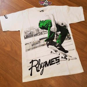 RHYMES TEE - OFF THE WALL