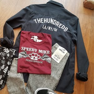 THE HUNDREDS SKJORTA - BRODERAD SVART