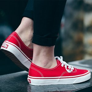 VANS SKOR - AUTHENTIC RED